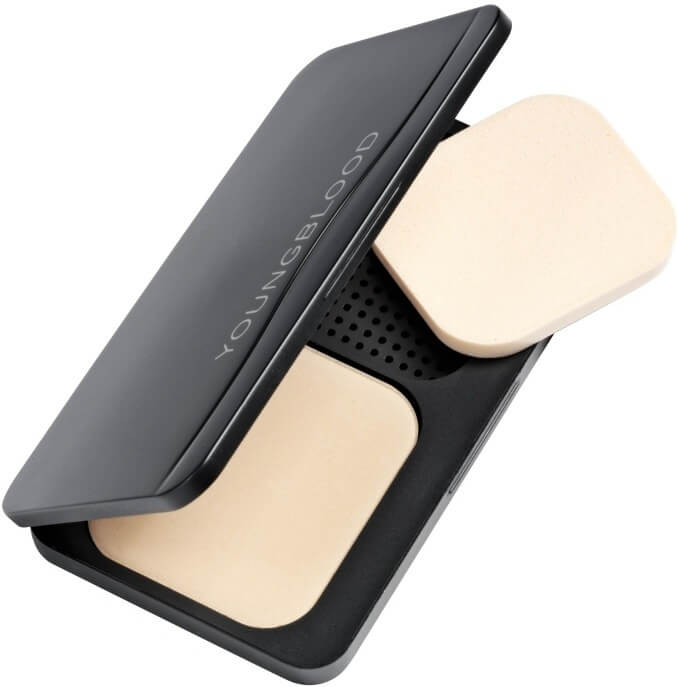 Test af Youngblood Pressed Mineral Foundation - Fast pudder med naturlig finish